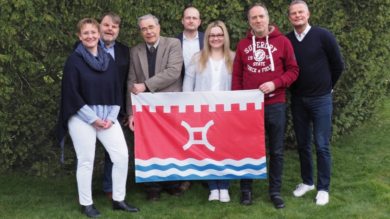 von links nach rechts: Christiane Jäger, Wolfgang Gradert, Dr. Eberhard Tschach, Kai Helbrecht, Melissa Kahlau-Schneider, Jürgen Möller, Dirk Schacht.